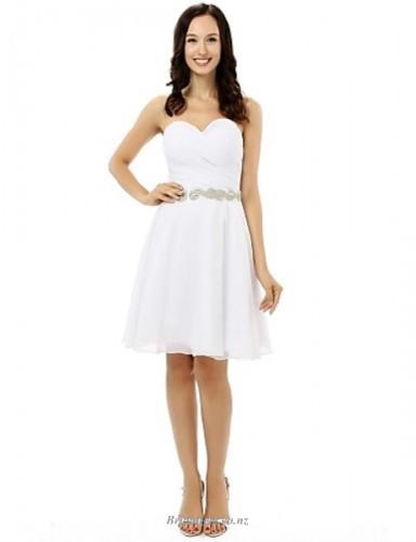 Elegant Short Knee Length White Chiffon With Beading Sweethear Bridesmaid Dress