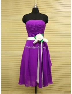 Knee Length A Line Strapless Dresses With Flower Purple Bridemaid Dress With Ruffles