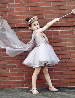Ball Gown Short Knee Length Flower Girl Dress Tulle Stretch Satin Sleeveless V Neck With Beading Embroidery Flower