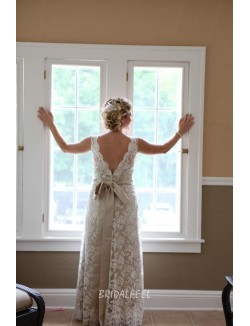 Elegant V Back Sleeveless Spring Embroidered Lace Wedding Dress