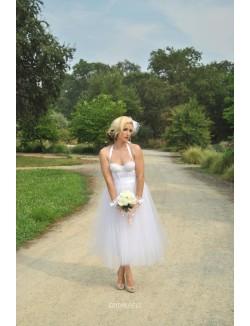 Pretty Halter Sleeveless Tea Length White Tulle Fall Wedding Dress