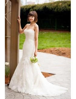 Floor Length Strapless Sweetheart Simple Lace Mermaid Wedding Dress