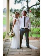 Unique A Line Floor Length V Neckline Sleeveless Tulle Wedding Dress