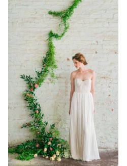 Vintage A Line Strapless Sweetheart Lace Chiffon Spring Wedding Dress