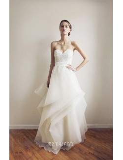 Vintage A Line Strapless Sweetheart Lace Organza Winter Wedding Dress