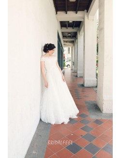 Vintage A Line Off The Shoulder Floor Length Fall Lace Wedding Dress